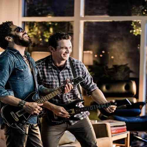 Guitar Hero Live_Win the Crowd TV spot_BTS photo_credit Mathieu Bitton 890x520