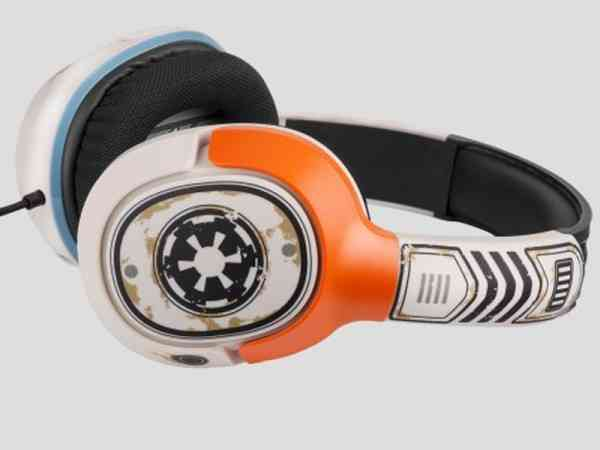 Star Wars-Themed Sandtrooper and X-Wing Pilot Gaming Headsets 2