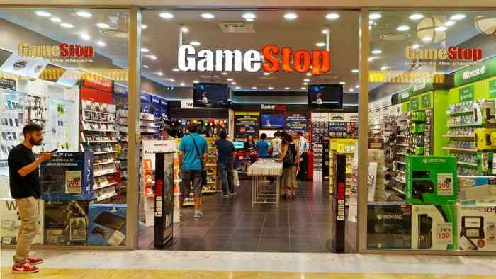 GameStop serious trouble