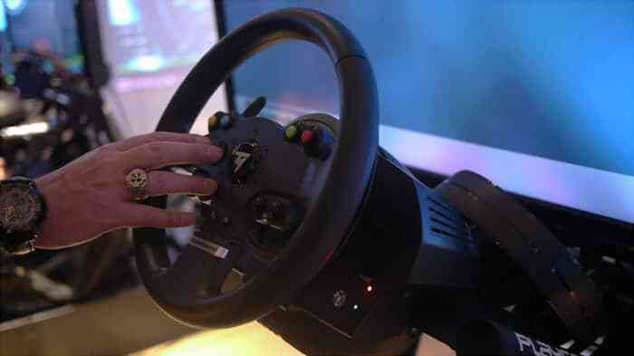 thrustmaster introduces xbox one pc tmx force feedback racing wheel cogconnected. Black Bedroom Furniture Sets. Home Design Ideas