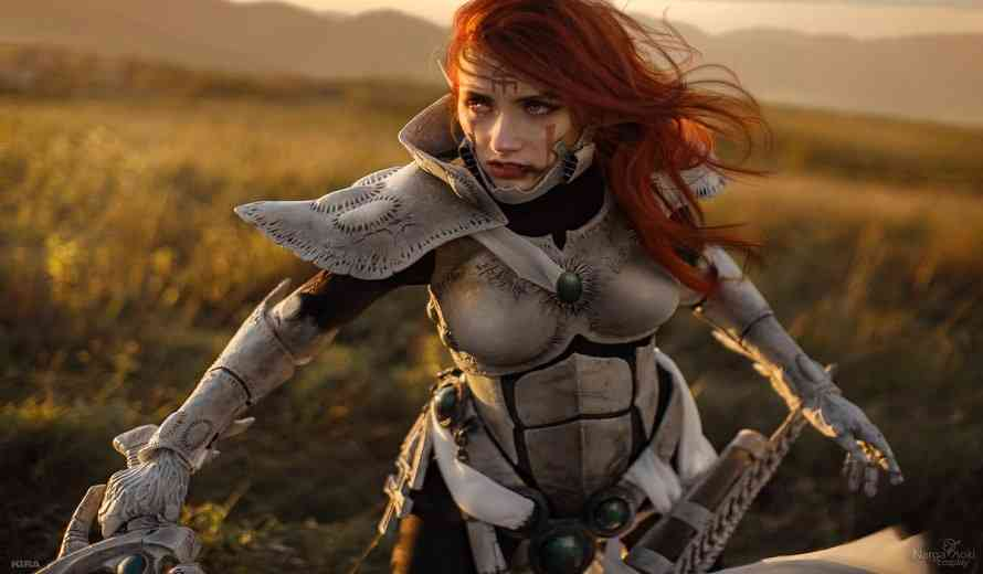 This Sexy Redhead's Howling Banshee Cosplay is Scary Good