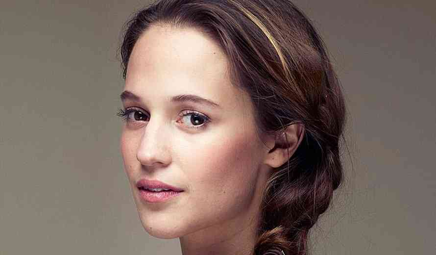 Production Begins on New Tomb Raider Movie Starring The Stunning Alicia Vikander