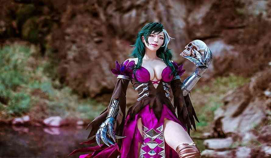 Sexy Cosplay From The Legend Of The Condor Heroes Is Pure Fire