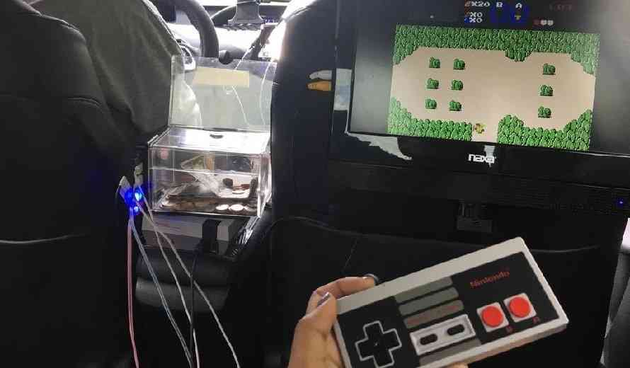 Best Car For Uber >> Uber Driver Called out by Gamer Who Spots a NES Classic Edition Installed in the Backseat