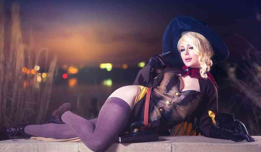 Jenna Lynn Meowri's Cosplay is Pure Fire and Insanely Hot