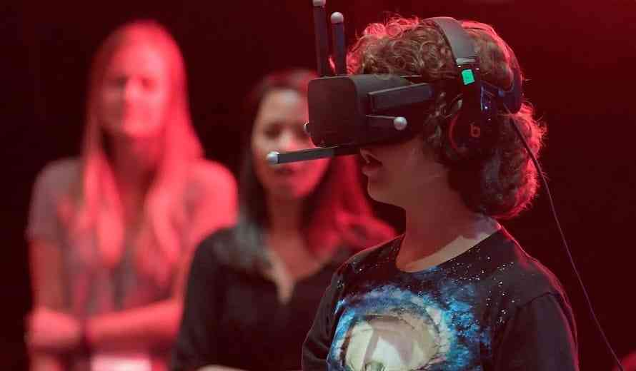 Experience Stranger Things' Upside Down for Free in VR... RIGHT NOW
