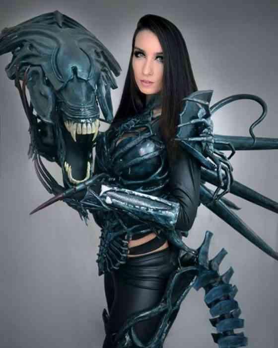 Giulietta Zawadzki - COSPLAY - Alien Queen 03-min