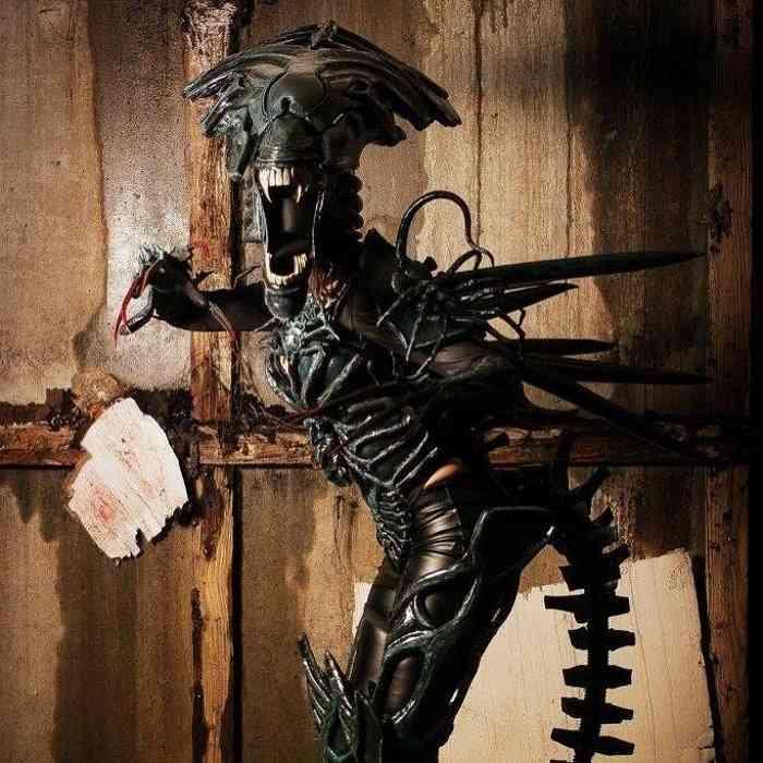Giulietta Zawadzki - COSPLAY - Alien Queen-min
