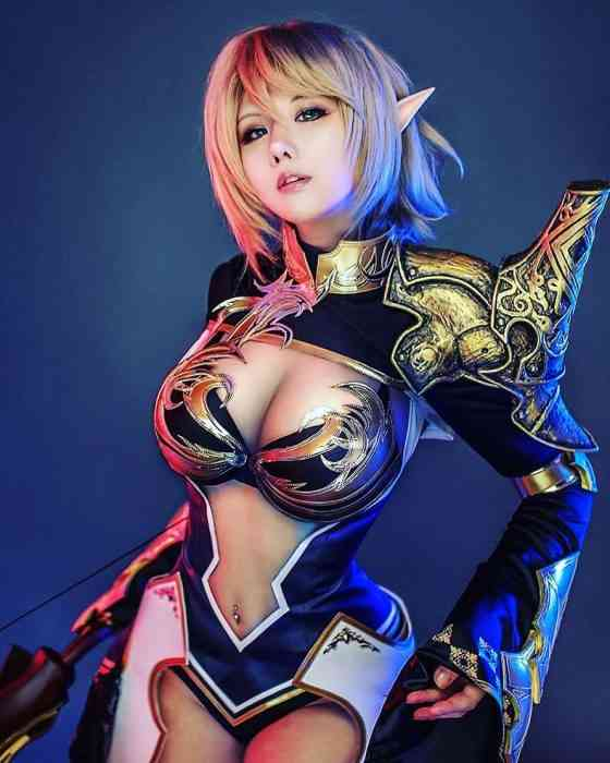 Professional Cosplayer Tasha is Incredibly Sexy and Talented