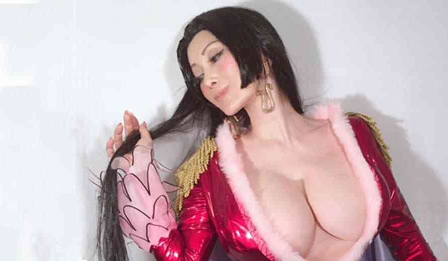 The Internet is Buzzing as Mika Kano's Cosplay Brings Boa Hancock From One Piece To Life
