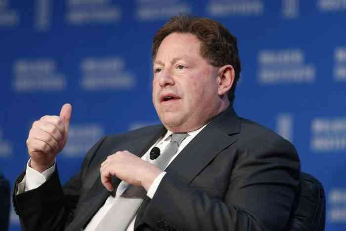 Bobby Kotick Expects 1 Billion Customers in 5 Years