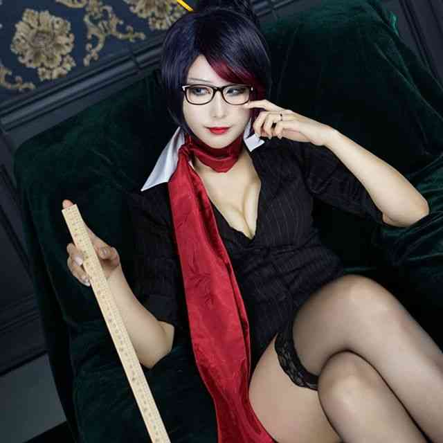 Shijose's Cosplay is Simply Stunning and Elegant