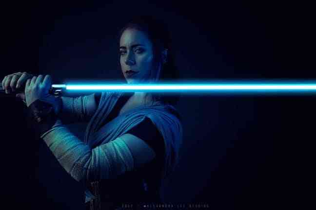 Incredibly Sexy & Jaw Dropping Star Wars Cosplay