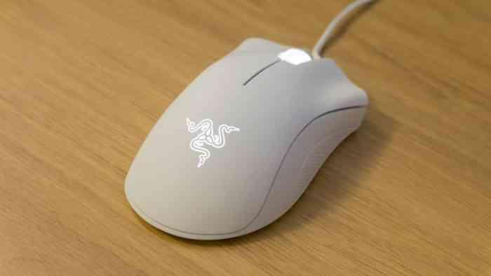Razer DeathAdder gaming mouse - white
